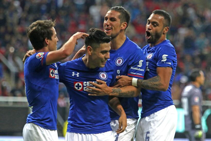 Cruz Azul venció 3-1 a Chivas en la fecha 2 del Clausura 2018 segundo-go...