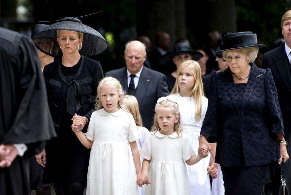 La familia real holandesa acudió al completo.