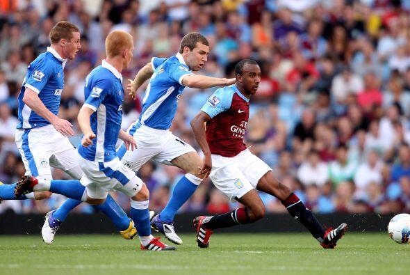 Darren Bent anotó el segundo y el Villa superó al Wigan sin problemas.