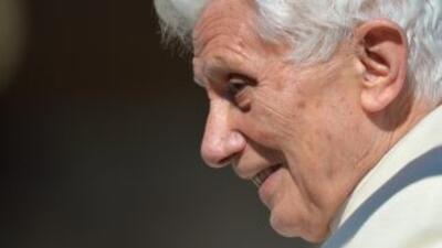 El Papa Benedicto XVI durante su última aparición pública en la Plaza de...