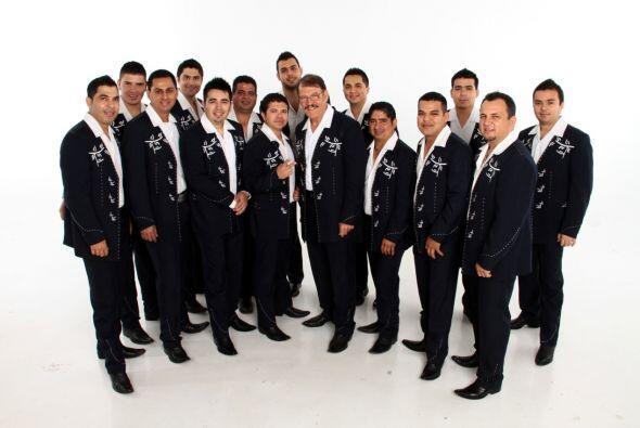 Los integrantes actuales de La Arrolladora Banda El Limon han tenido gra...