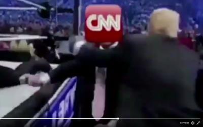 Trump le da un 'puñetazo' a un luchador con la cara de CNN