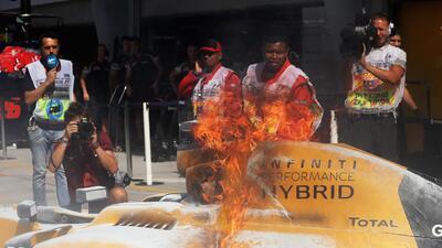 Fórmula 1 en llamas: incendio en la primera práctica del Gran Premio de Malasia
