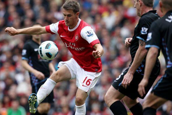 Arsenal insistía en busca de una reacción para la remontada.