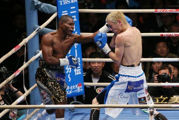 Rigondeaux impuso su buen boxeo ante el ímpetu y el mayor alcance...