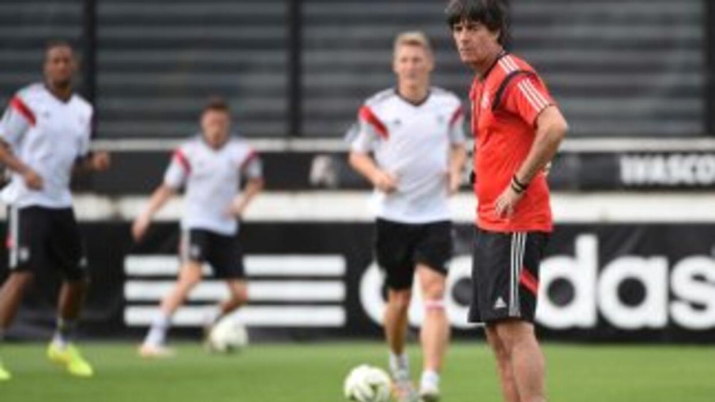Löw señaló que no jugarán solo contra Messi, sino contra un gran equipo...