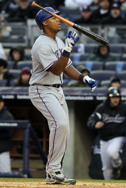 Mención especial para el tercera base dominicano de los Rangers, Adrián...