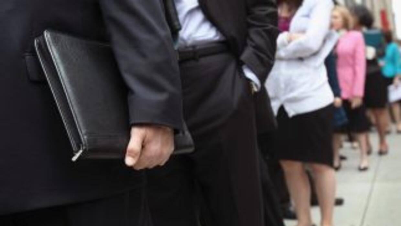 La tasa de desempleo en Estados Unidos aumentó a 7.3% en octubre, pero l...