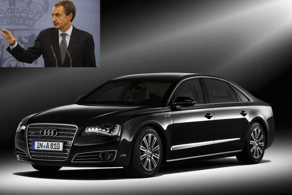 España: Si, la Casa Real utiliza lujosos vehículos (el auto del Rey Juan...