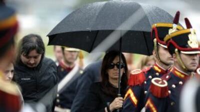 Tras el duelo por la muerte de su marido, la presidenta argentina retoma...