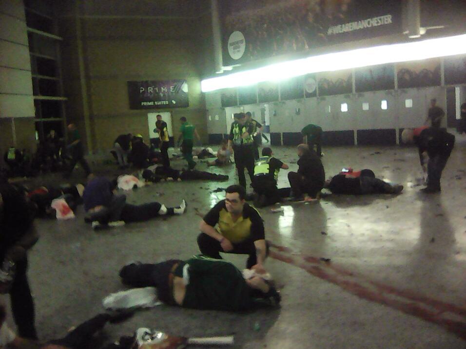 Atentado suicida en Manchester. Los asistentes a un concierto de Ariana...