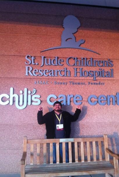 El Trenzas visitó el hospital St.Jude 5d99c0fbbd6d401690217636be1427d6.jpg