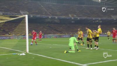 Apareció el goleador: Lewandowski solo la tuvo que empujar para poner el 2-0 del Bayern