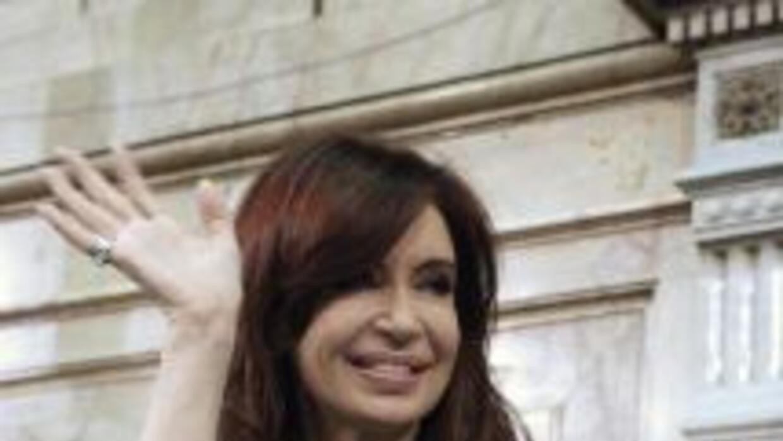 """Cristina Fernández ha recibido """"libros, instrumentos musicales, una MacB..."""