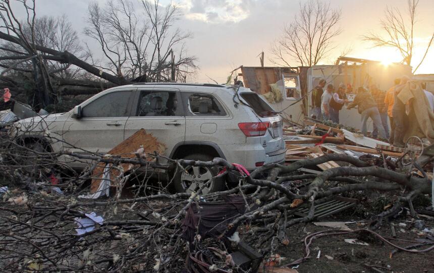 Fuertes tormentas azotan el sur y el Medio Oeste tornados3.jpg