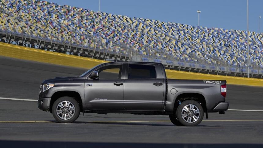 Estas son las trocas más vendidas hasta mayo de 2017 Toyota-Tundra_TRD_S...