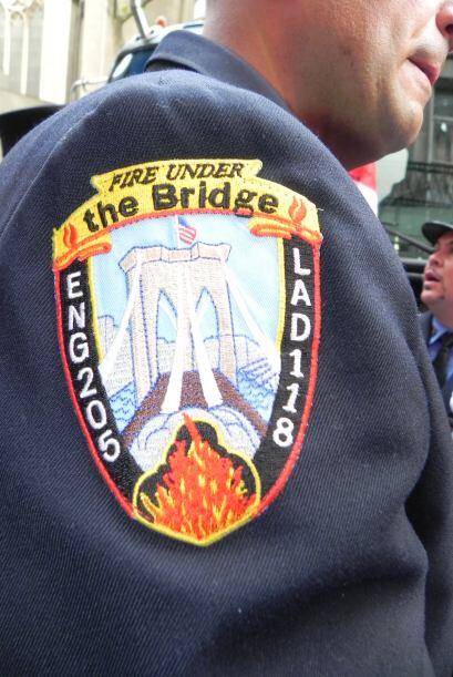 Bomberos del 9/11 honrados en San Patricio 432ec6128d4e40bf86c32bb2d90ff...