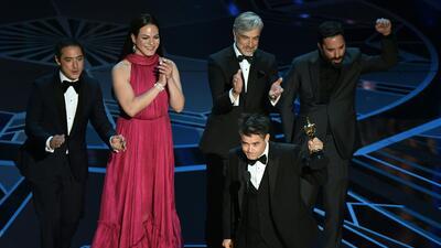 Sebastián Lelio y la actriz Daniela Vega recibieron un Oscar por la pelí...