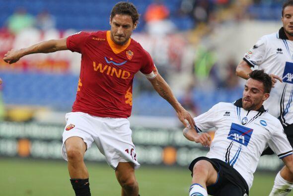 Totti salió de titular pero fue reemplazado.