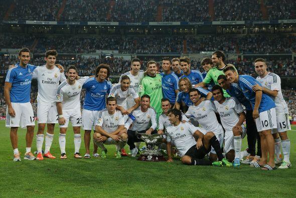 Y Raúl se unió en la celebración con sus ex compañeros.