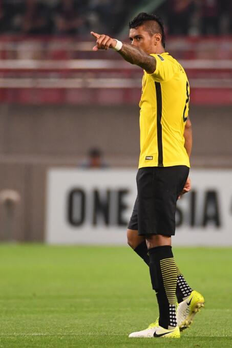 La burbuja económica del fútbol chino amenaza los contratos de los crack...