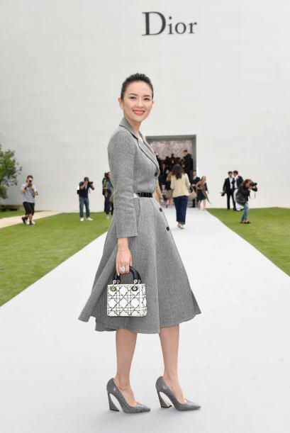Zhang Ziyi siempre luce tan bien, que pocos quieren acercarse a ella con...
