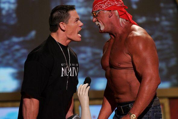 Ha retado a grandes personajes de la WWE como el legendario Hulk Hogan.