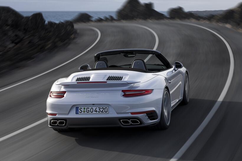 Los Porsche 911 Turbo y Turbo S esperan por Detroit P15_1246_a5_rgb.jpg