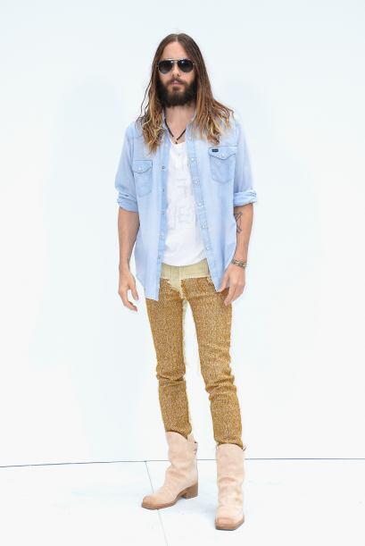 Para la ocasión, Jared siguió firme a su estilo desenfadado y casual. La...