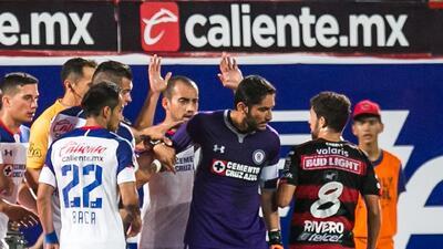Tijuana vs. Cruz Azul: ¿Entró o no entró el balón? Análisis de las jugadas polémicas del partido