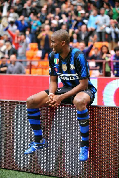 Samuel Eto'o se puso 'juguetón' en pleno partido de su equipo, el Inter,...