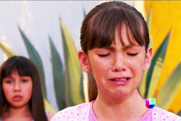 No llores Acacia, ¡ojalá los médicos logren salvarle la vida a tu papá!...