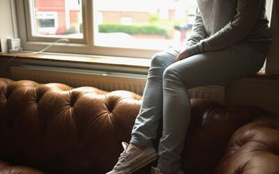 Una mujer fue violada y drogada en su propia casa por un hombre en Brooklyn