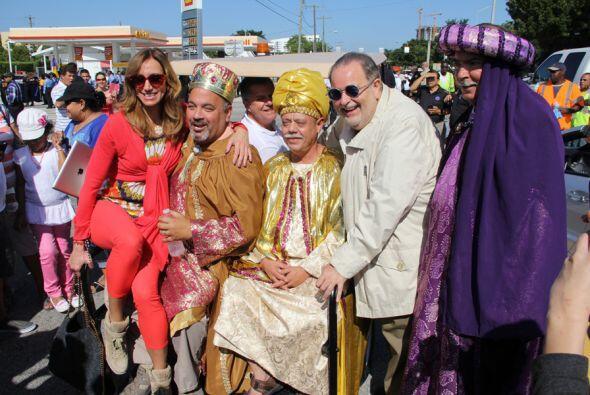 Gran exito fue nuestra parada de reyes 2014 gracias al publico que año t...