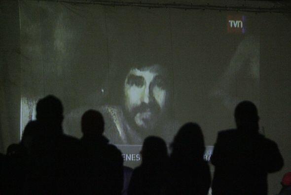 Los 33 mineros atrapados hace 24 días en una mina en el norte de Chile p...