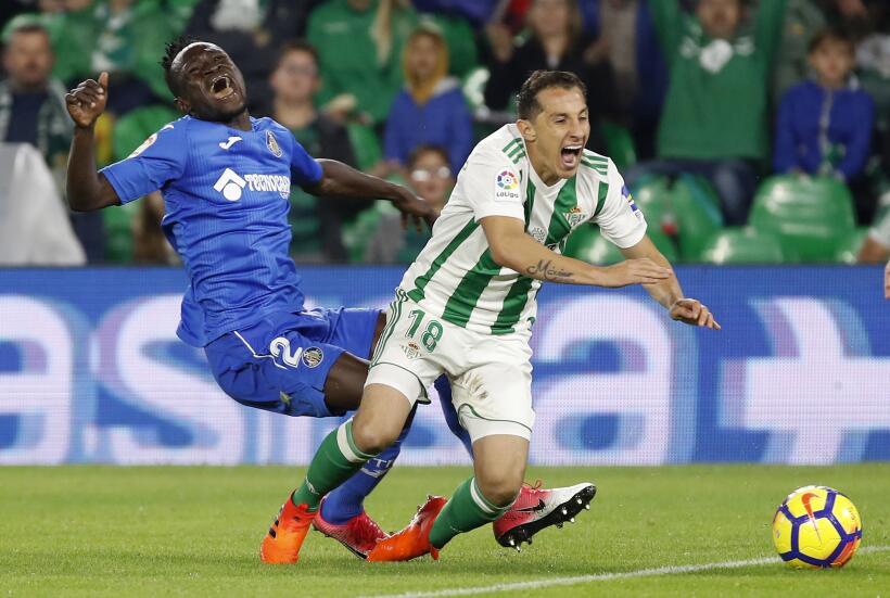En fotos: Lobos BUAP sorprendió 2-1 al líder Monterrey  6364534517300167...