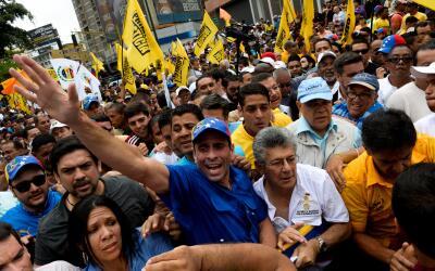 Tres de los líderes de la oposición venezolana -Henrique C...