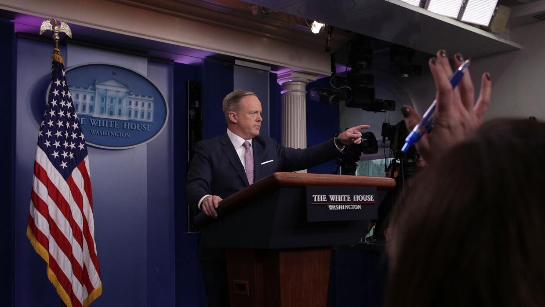 El nuevo jefe de prensa de la Casa Blanca, Sean Spicer, ofreció una ampl...
