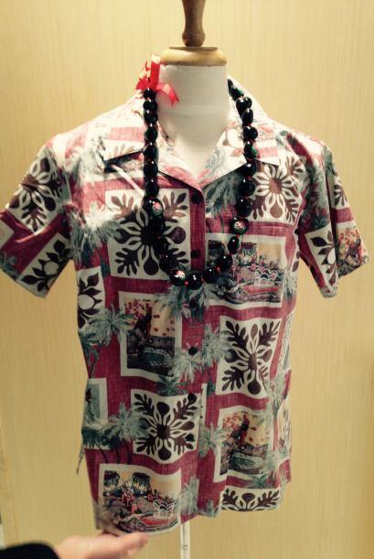 Este año, la camisa oficial del evento es estilo hawaiana en hono...