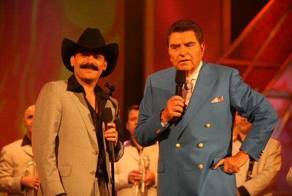 ¿Creen que al Don le vendría bien un bigote como el del Ch...