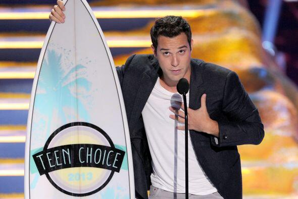 "Skylar Astin, de ""Pitch Perfect"", ganador en actor de comedia.  Mira aqu..."