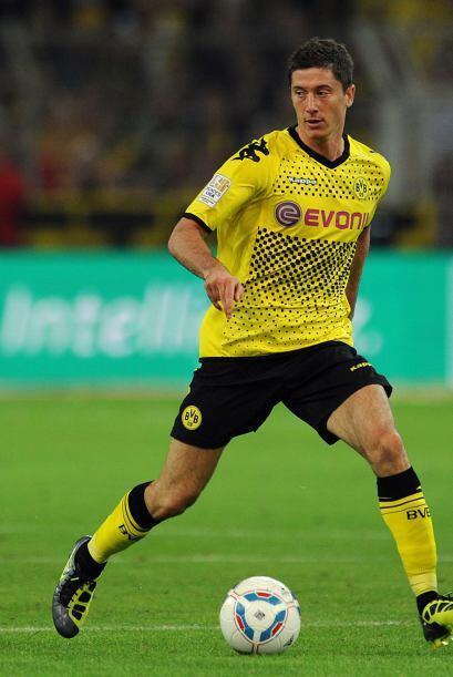 El atacante polaco encabezó la goleada del Borussia Dortmund ante el Aug...