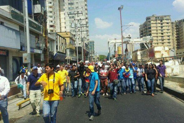 Las manifestaciones contra el gobierno continúan en Venezuela. El usuari...