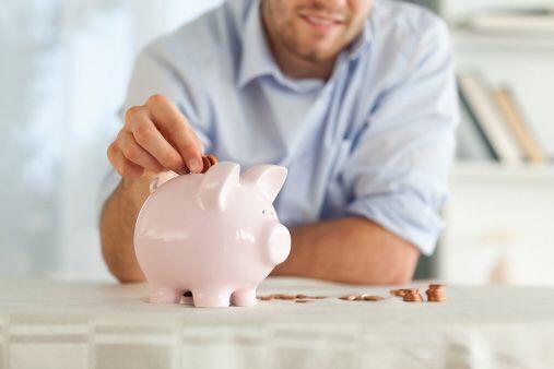 Para empezar, evita las rentas vitalicias variables (annuities) y los ca...