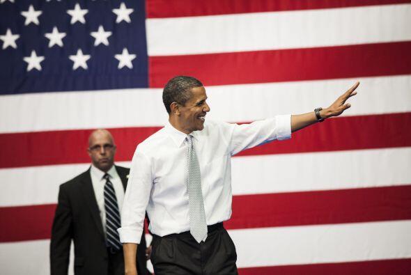 Septiembre 5- Barack Obama es proclamado candidato presidencial por la C...