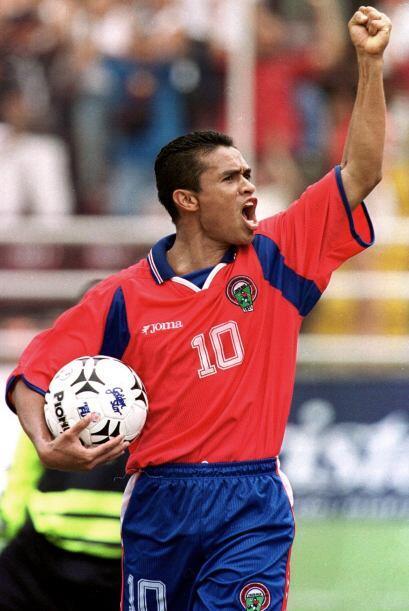 Walter Centeno es el que más veces vistió la camiseta de la selección na...