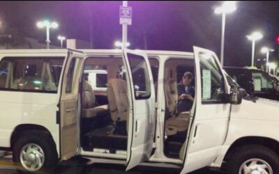 Reportan que una Van utilizada para servicio a la comunidad fue robada e...