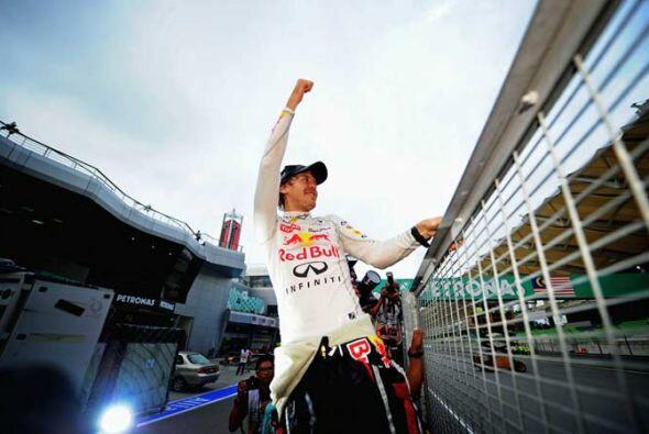 Vettel no dejó de festejar tras ganar el Gran Premio de Malasia.