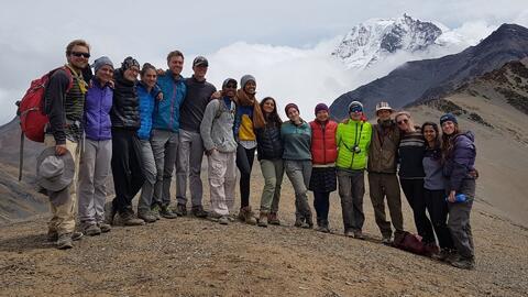 En imágenes, el viaje a Bolivia de Malia Obama que duró seis semanas