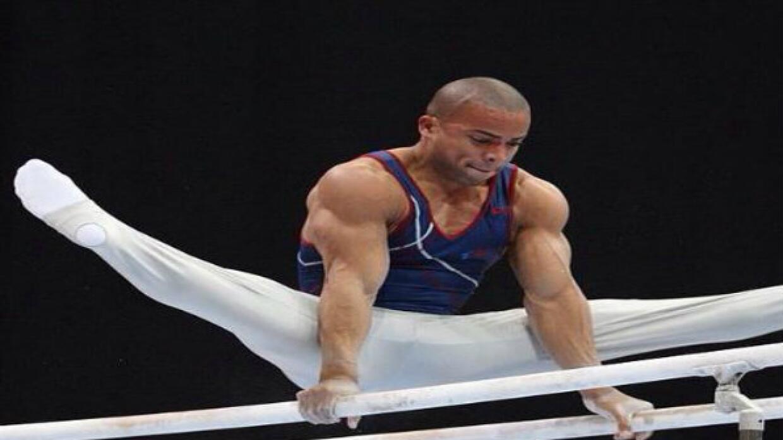 Miembro del equipo olímpico de gimnasia de Puerto Rico.